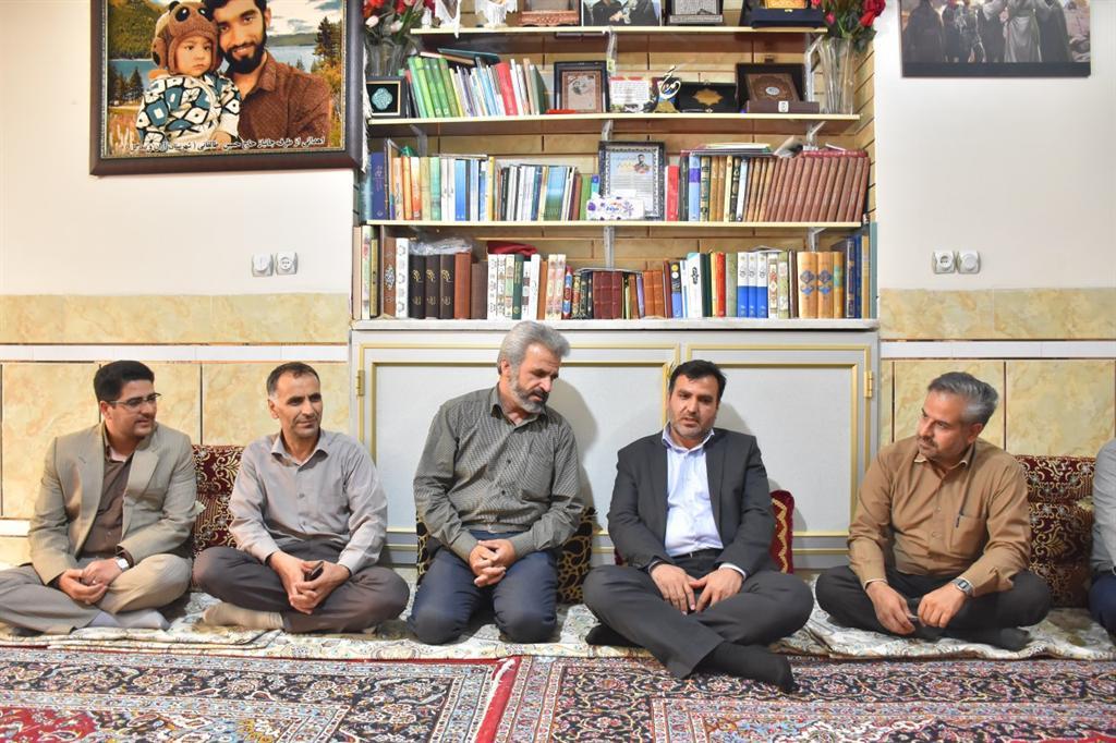 دیدار با خانواده شهید حججی