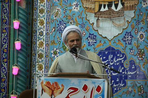 امام جمعه نجف آباد حضور نخبگان در عرصه های مختلف ضروری است
