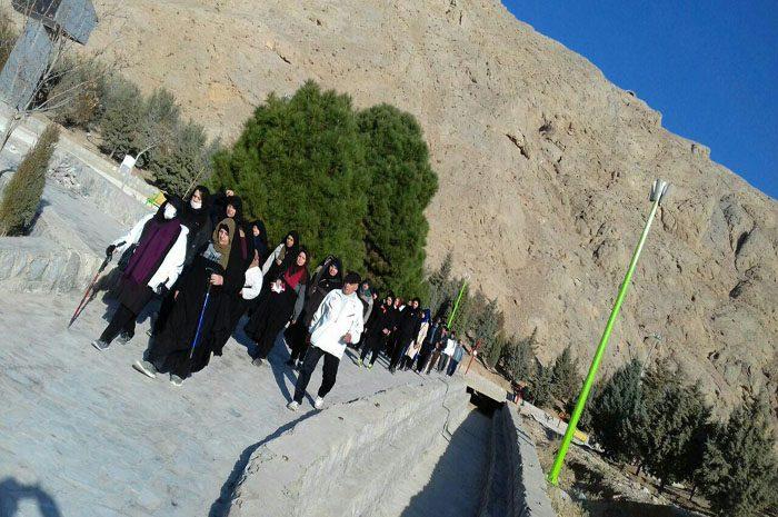 پیاده روی خانوادگی در نجف آباد