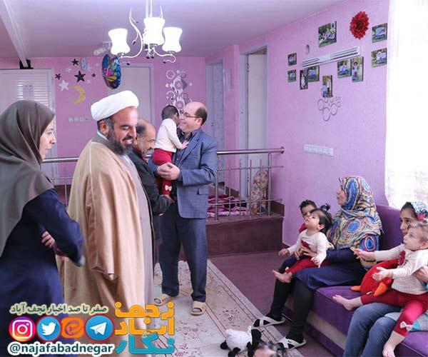 امام جمعه ویلاشهر به دیدار کودکان بی سرپرست ویلاشهر رفت