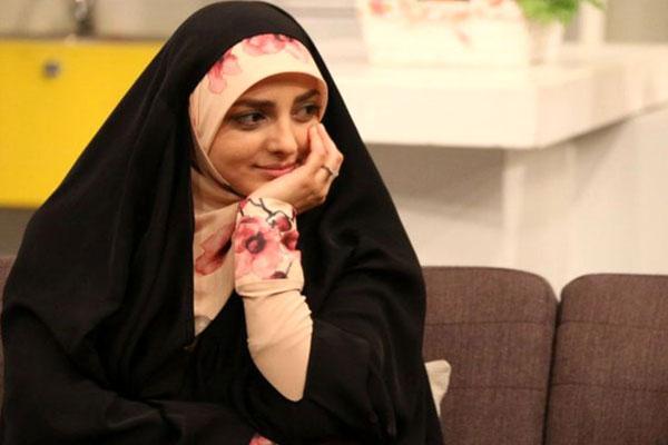 انتشار-تصاویر-مراسم-ازدواج-مجری-معروف-محجبه-حاشیه-ساز-شد