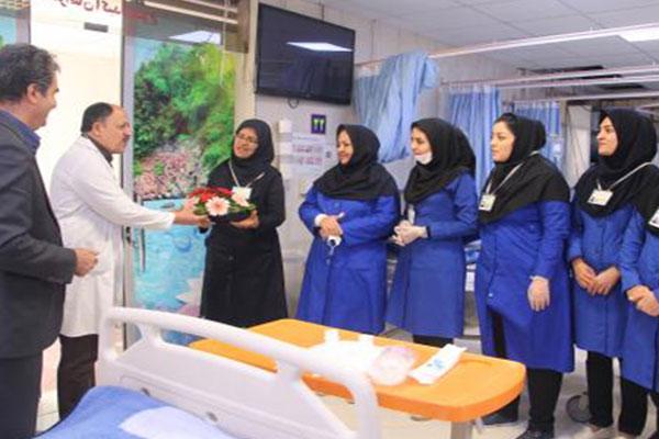 تصاویر-تقدیر-پزشکان-اورژانس-از-پرستاران-بیماراستان-شهید-محمد-منتظری…..