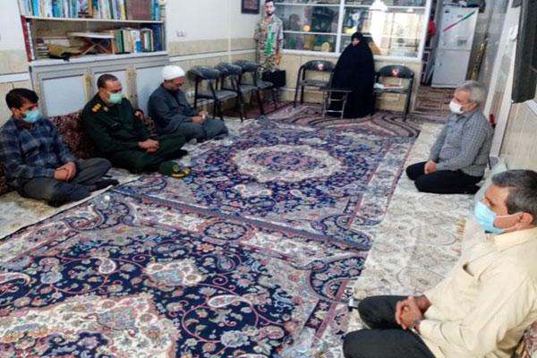 دیدار-با-خانواده-شهید-محسن-حججی-به-مناسبت-هفته-دولت